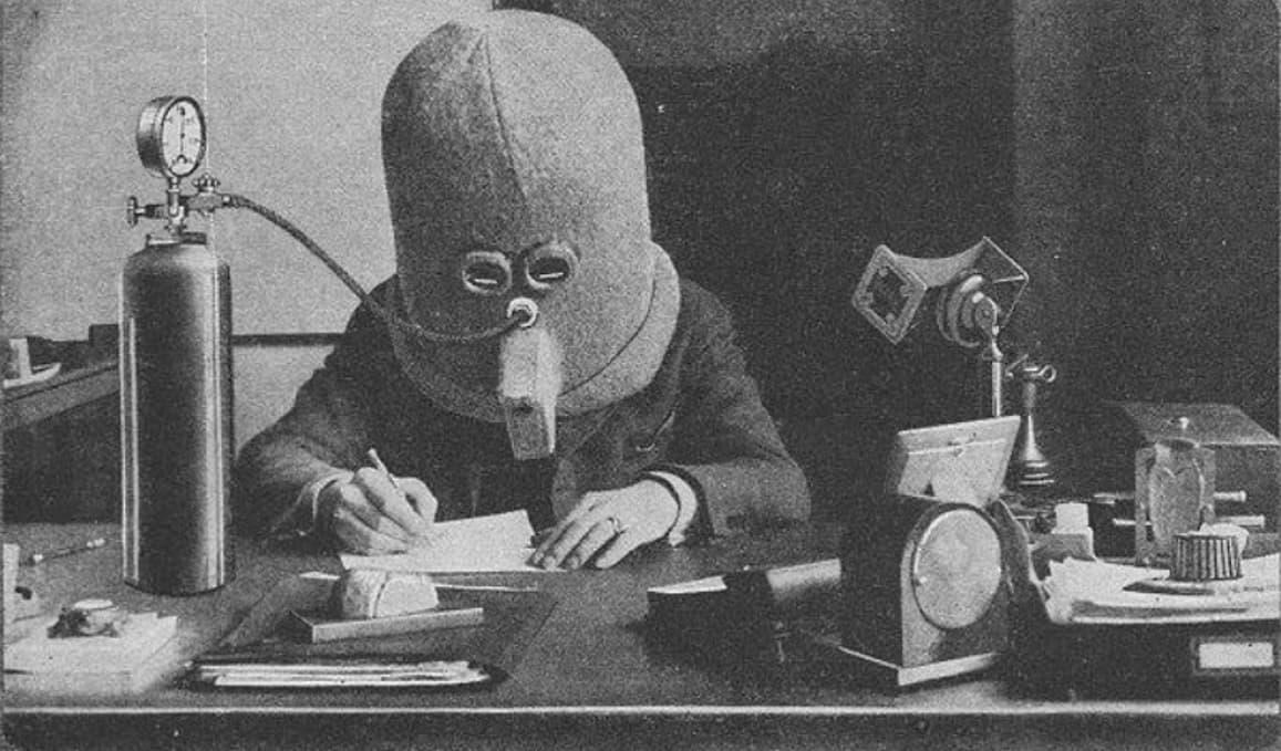 шлем изолятор для работы 1925 года