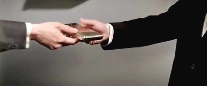 Смартфон из телефона-автомата и металлической корбочки